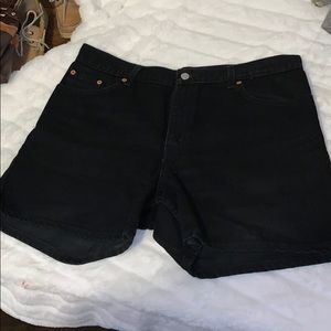 Vintage Levi black denim shorts size 14